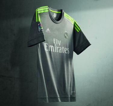 Le Real Madrid dévoile ses nouveaux maillots domicile et extérieur !