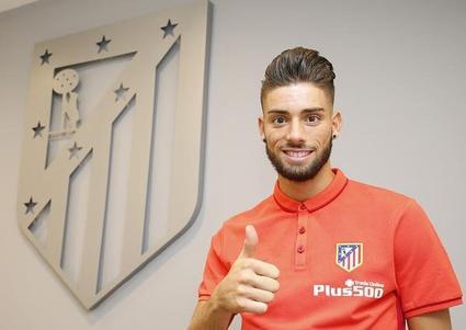La photo officielle de Ferreira-Carrasco à l'Atlético Madrid
