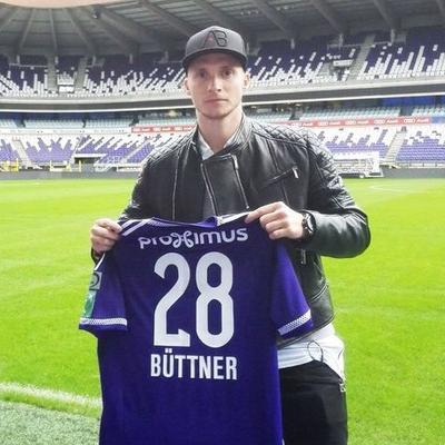 Officiel : Alexander Büttner loué jusqu'en juin à Anderlecht