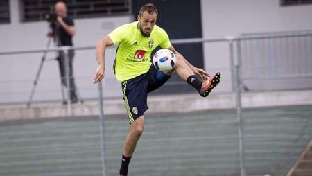 L'attaquant international suédois Emir Kujovic rejoint La Gantoise