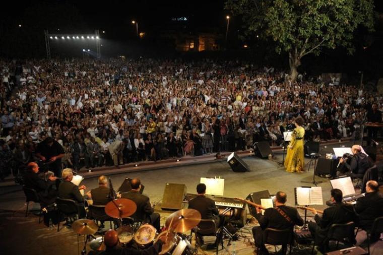مطربة الأجيال وردة في مهرجان بعلبك 2008