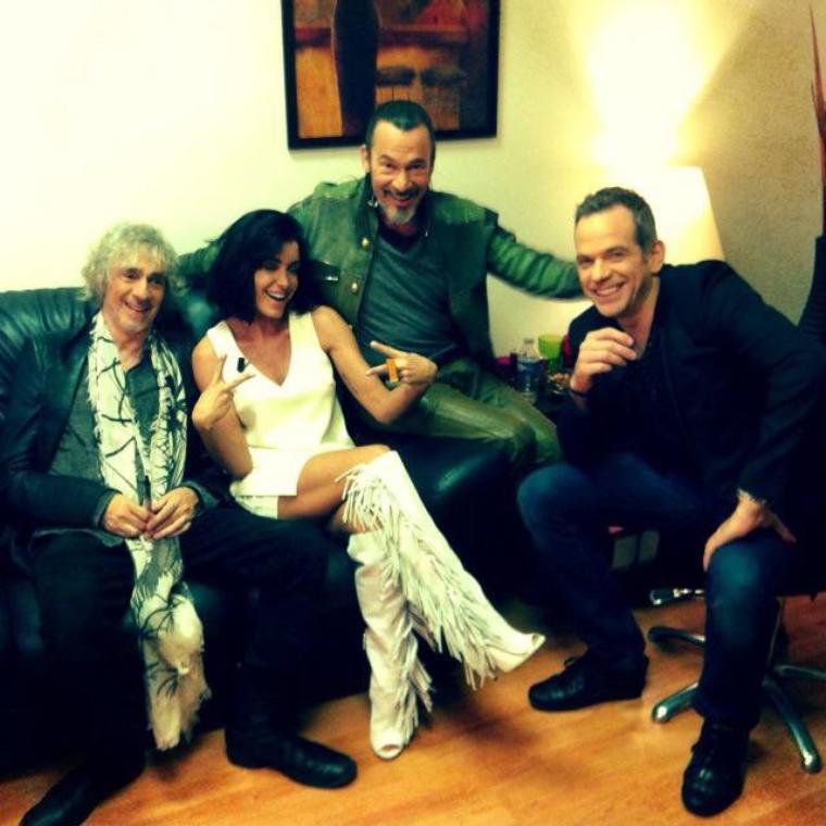 Jenifer au grand journal sur canal + avec les 3 coachs ! :)