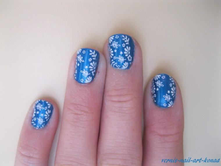 Konad bleu et blanc