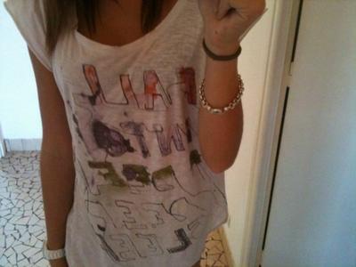 t shirt Zara taille S/M