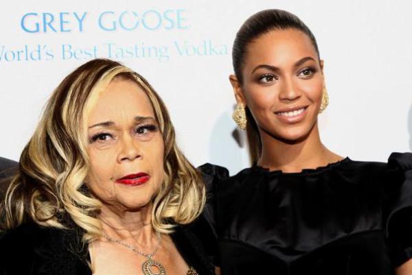 Beyoncé réagit sur la mort d'Etta James