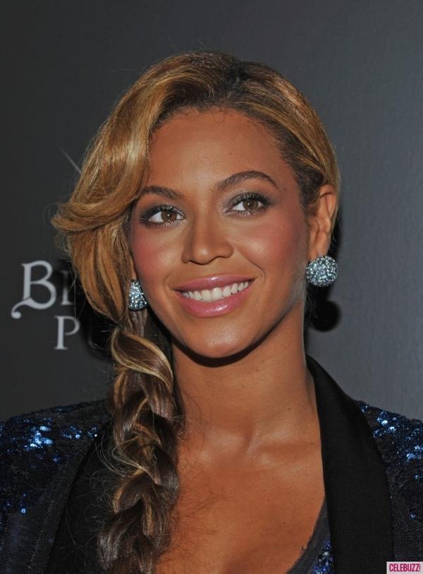 """Beyoncé dans une de ses créations ? Victoria Beckham """"a hurlé"""" de joie"""