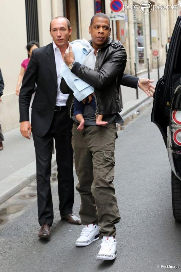 Jay-Z et Beyoncé : Des parents aux petits soins pour leur Blue Ivy, à Paris