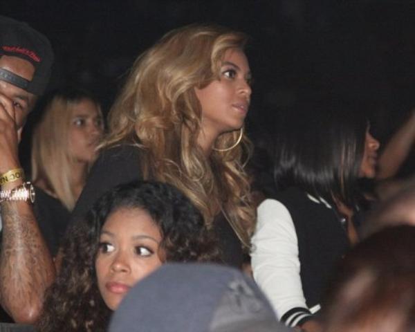 Jay-Z devient King Of Brooklyn sous le regard de Beyoncé (photos)
