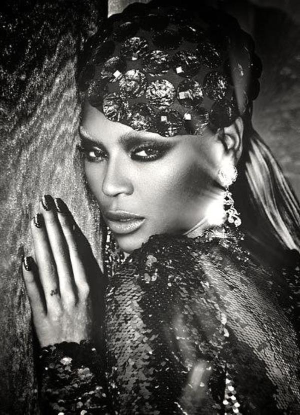 Beyoncé : Elle porte des boucles d'oreilles pro-Obama pour soutenir le candidat !