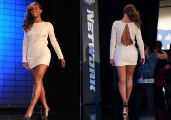 , Beyoncé a avoué avoir chanté sur une bande enregistrée pendant l'investiture de Barack Obama.                                       ,VIDÉO - BEYONCÉ CHANTE L'HYMNE NATIONAL AMÉRICAIN EN LIVE POUR FAIRE TAIRE LA POLÉMIQUE SUR LE PLAY-BACK                                   ,Beyoncé : Eblouissante dans une robe blanche (Photos)