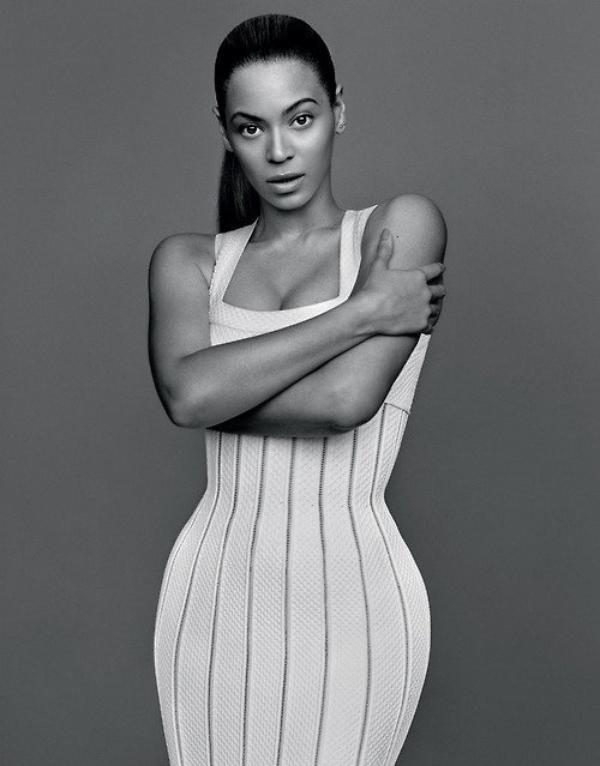 """Beyoncé : """"Après la prochaine tournée, j'aurai un autre bébé !"""",     Beyoncé : le visage de sa petite Blue Ivy ! Adorable bébé !"""