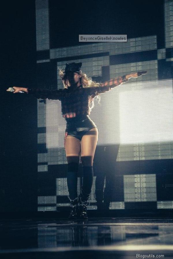 Beyoncé pour le Mrs Carter Tour en look streetwear en répétitions à Glasgow