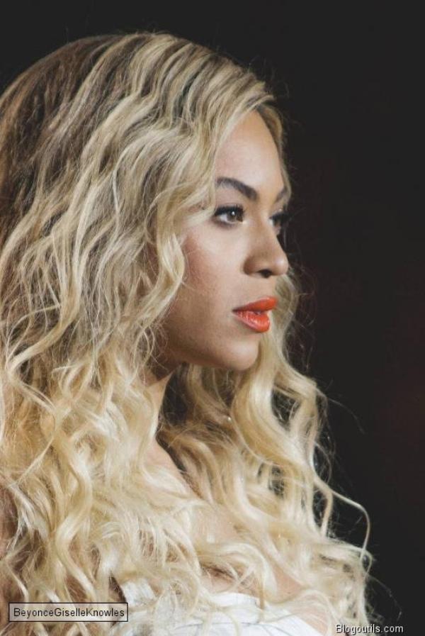 Jay-Z rejoint Beyoncé sur scène lors d'un concert à Londres