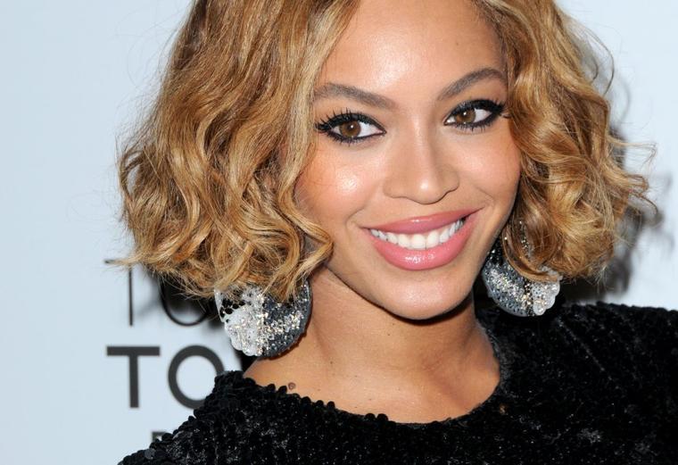 Beyonce en Haiti visitant un hoptital de pediatrie ,    , Jay Z TIdal
