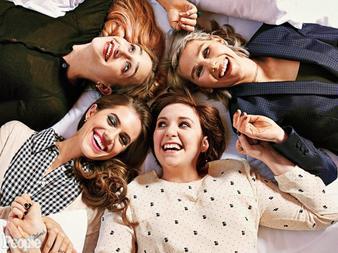 L'interview du cast de Girls pour People Magazine est en partit disponible sur leur site.