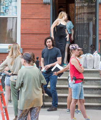 26/06/2015: Jemima, Adam Driver et Lena Dunham (qu'on ne voit pas bien sur les photos) étaient en tournage pour la saison 5 de Girls