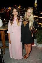 12/08/2015: Jem est allée à l'after party de la première du film 'Mistress America' de NoahBaumbach dans lequel joue sa petite soeur Lola. Elle était donc là en mode discrète pour encourager sa petite soeur.