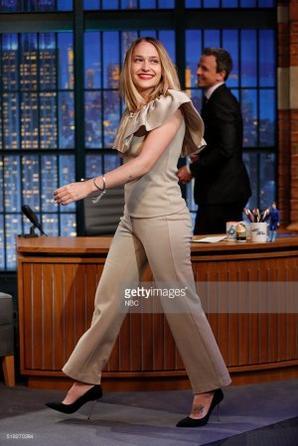 30/03/2016: Jemima était au Late Nate Show with Seth Meyers. Malheureusement la vidéo n'est pas encore dispo sur Youtube et je pars dans 1h donc je met juste quelques photos qui ont encore le tag getty images ... bref... Elle est trop mimi toute souriante j'adore.