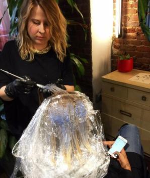 30/09/2016: Nous pouvons officiellement dire adieu à la chevelure de sirène de Jemima elle ne s'arrête plus de la couper (et de la blondir)... Mais j'aime beaucoup les cheveux court et un peu décoiffer comme ça.