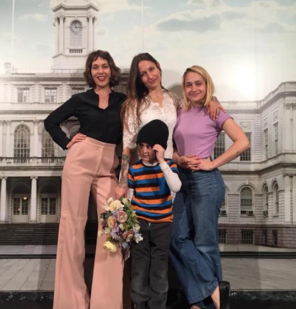 27/02/2017: Jemima était comme prévue au Pangea à NYC pour participer à Clay Woman sorte de spectacle de son ami Michael Cavadias. (et après le show elle a posé pour le photographe Krys Fox)