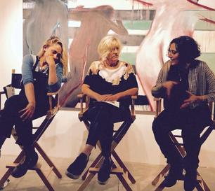 06/06/2017: Comme prévu Jemima était accompagnée de Loretta Harrms  pour animer une discussion lors de l'exposition de l'artiste Ophrah Shemesh (au163 Charles Street , NYC.) + une photo avec un fan