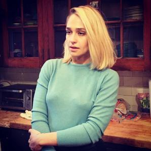 24/02/2017: Jemima enregistrait une mini interview pour la chaine youtube Stoop Talks with Kat Greenleaf. La vidéo est enfin disponible donc je vous la laisse avec 3 photos qui étaient sorties l'époque mais que je n'avais pas publié attendant l'interview (et y a fallut être patient)