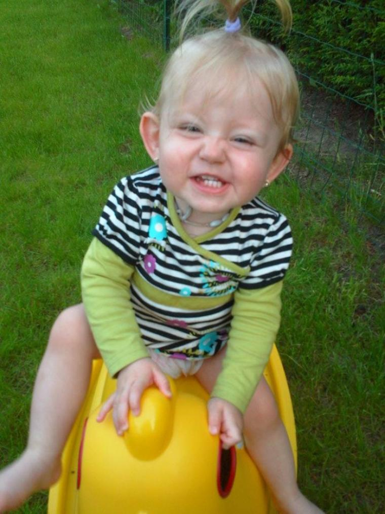 Ma petite princesse qui illumine ma vie depuis 1 an avec son sourire