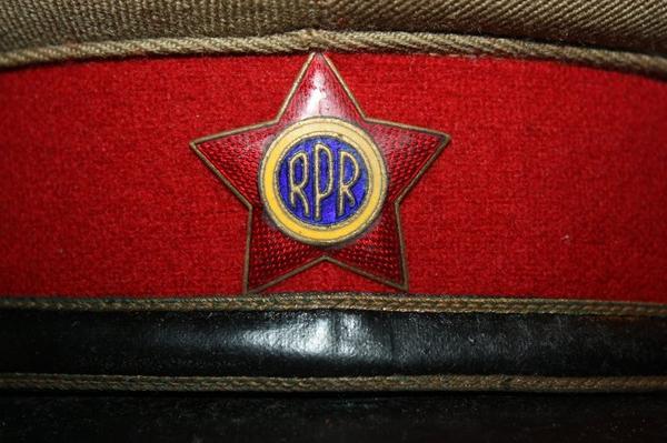 08. Casquette d'officier tenue de tous les jours RPR - Officers caps, service uniform RPR
