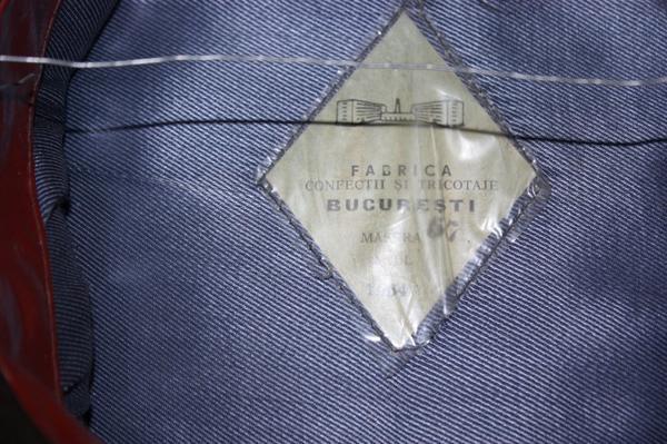 09. Casquette de tenue de parade d'officier d'armée RPR. Cap parade dress of a RPR army officer.