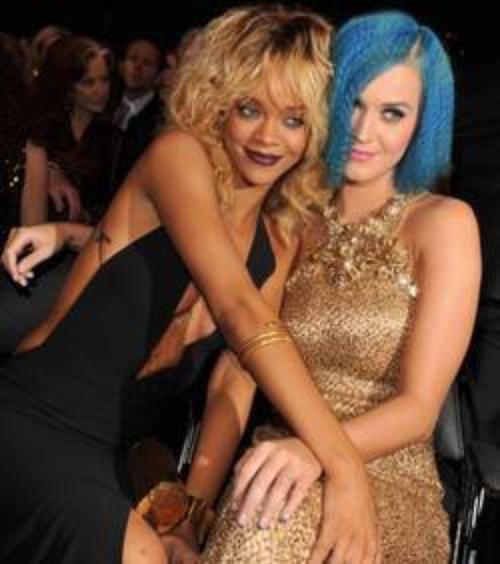 Katy Perry et Rihanna : les deux bombes réunies pour un duo!