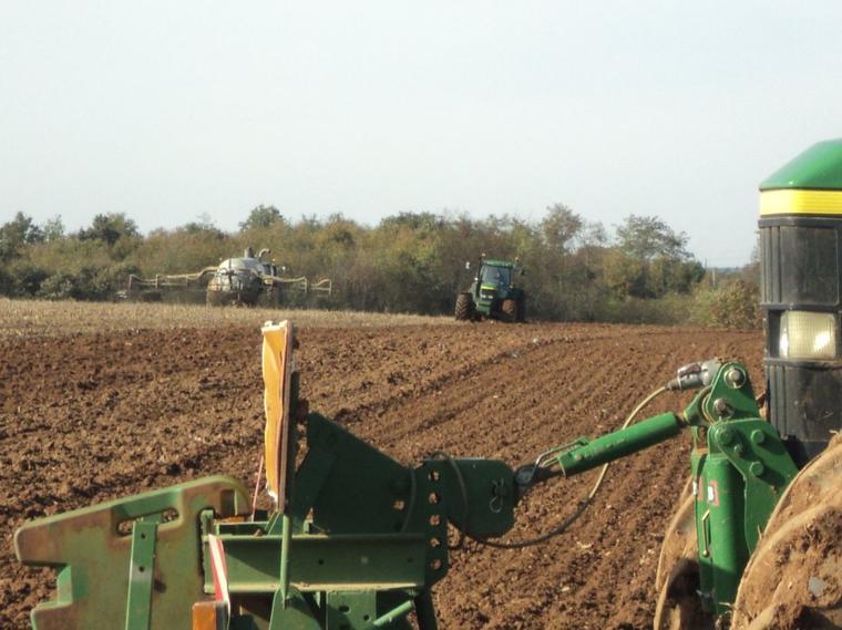 semie de blé labour  est épandage de lisier 2011