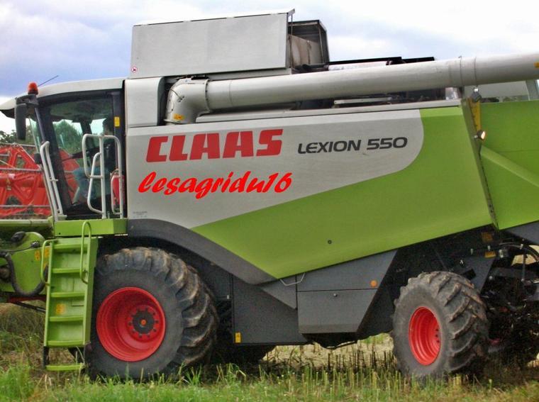 moisson du colza avec CLAAS lexion 570 montana et CLAAS lexion 550