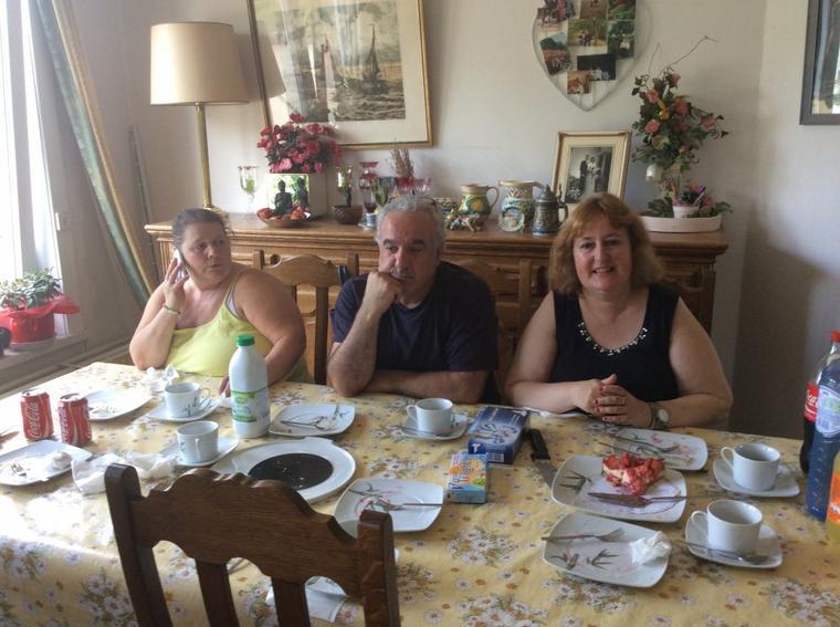 Visite des beaux-parents de Flo à Willy après son ablation de la glande thyroïde