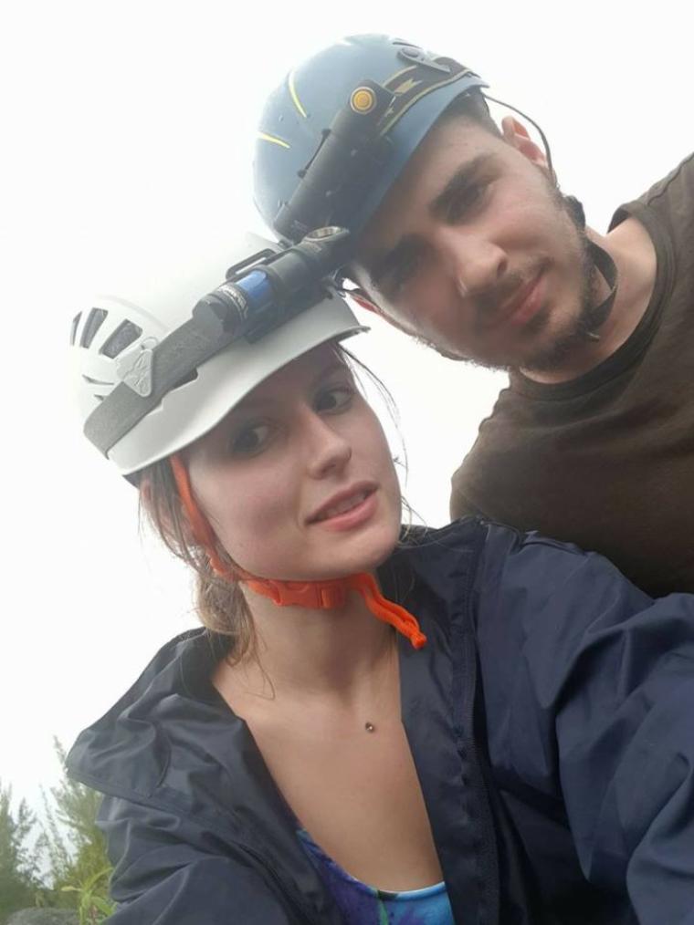 Ma fille et son copain partis pour l'île de la Réunion le dimanche 01/04/18 5