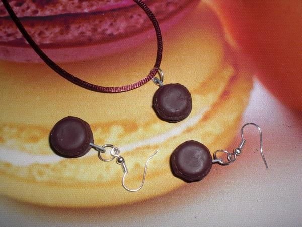 parure collier boucle d'oreille macaron