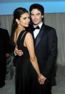 Ian et Nina main dans la main à la soirée d'Elton John