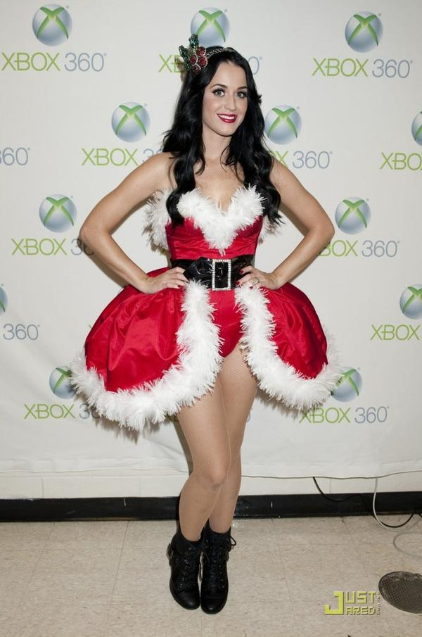 Katy Perry - PERFORMING AT THE Y100 JINGLE BALL