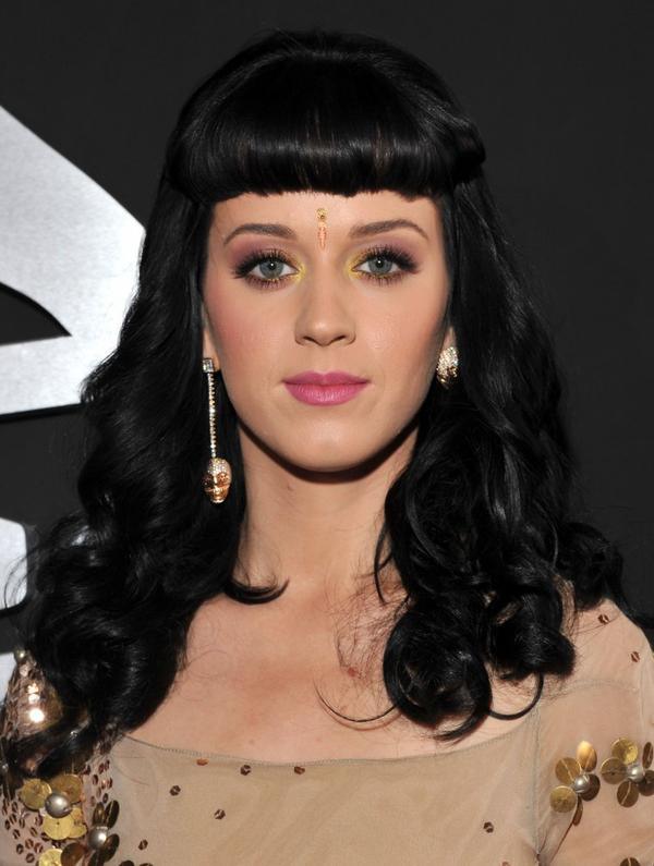 Katy Perry - THE GRAMMY AWARDS 2010 IN LA - ARRIVALS