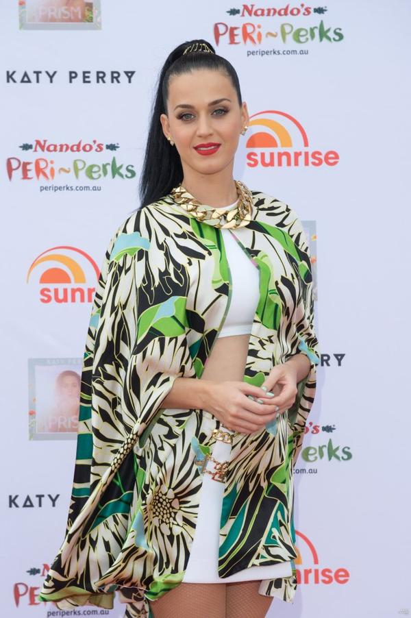 Katy Perry - PERFORMS ON A MORNING TV SHOW IN SYDNEY
