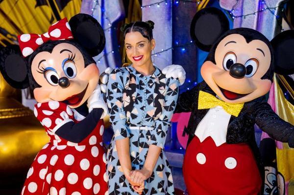 Katy Perry - AT THE DISNEY'S HOLLYWOOD STUDIOS AT WALT DISNEY WORLD