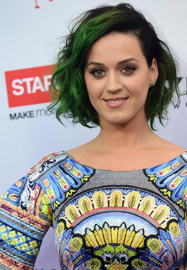 Katy Perry - STAPLES MAKE ROAR HAPPEN IN LOS ANGELES