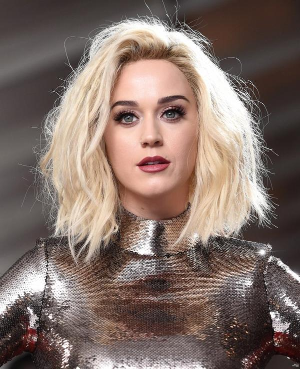 Katy Perry - THE 59TH GRAMMY AWARDS 2017