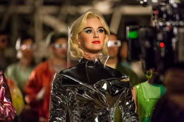 """Katy Perry - Clip """"CHAINED TO THE RHYTHM """""""
