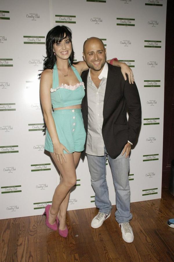 Katy Perry - TRAVIS MCCOY'S BIRTHDAY CELEBRATION