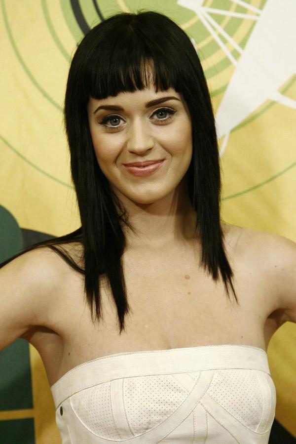 Katy Perry - MTV'S TRL IN MILAN, ITALY