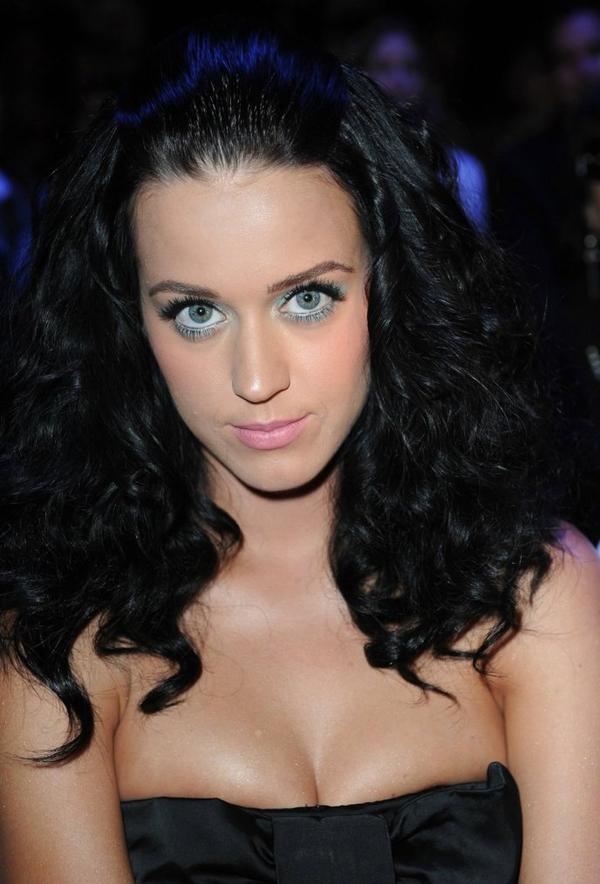 Katy Perry - CASTELBAJAC SPRING/SUMMER 2010 SHOW IN PARIS
