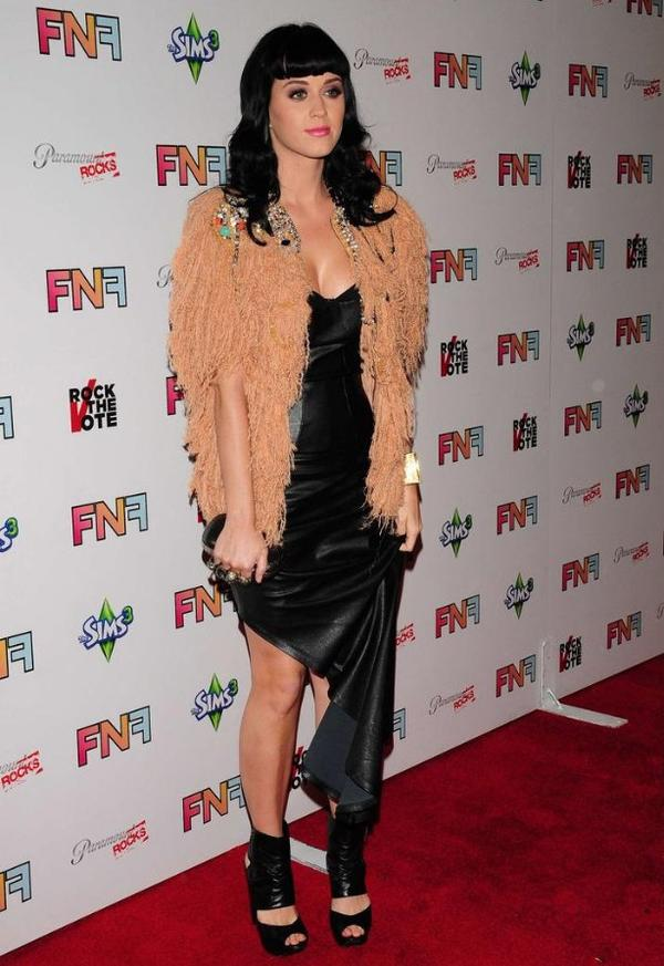Katy Perry - FRIENDS AND FAMILY' GRAMMY PARTY AT PARAMOUNT STUDIOS