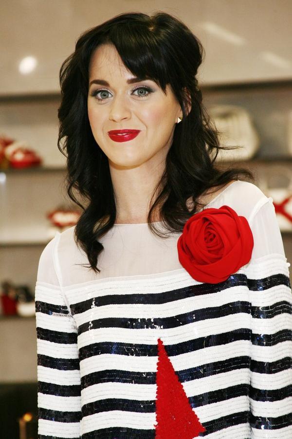 Katy Perry - MFW WOMENSWEAR 2009 SPRING/SUMMER : D&G - INSIDE