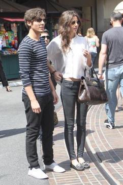 Louis et Eleanor en balade à Los Angeles / Leur concert privé à Los Angeles