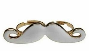 bague moustache blanche ou noir